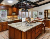 Spacious kitchen hall