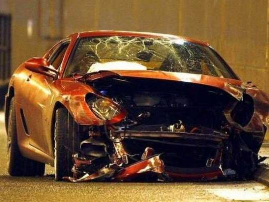 Ronaldo's crashed Ferrari at the site