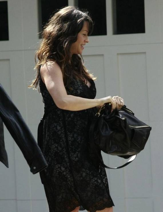 For obvious reasons, Alanis Morissette chose to preserve her glamour and looks in spite of the 'bump' with the maternity dress from A Pea in the Pod.