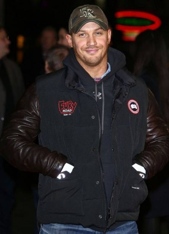 "Hardy wore the sporty hooded sweater to the premiere of his movie ""Jack Reacher""."