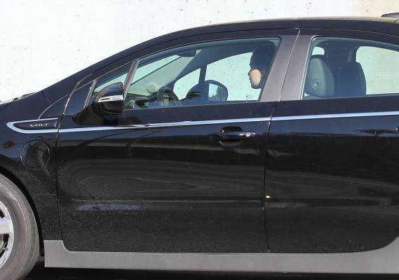 Jennifer Lawrence drives Chevy Volt