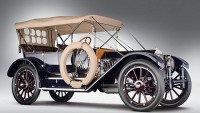 1912 Oldsmobile commands $3.3million at Milhous Auction