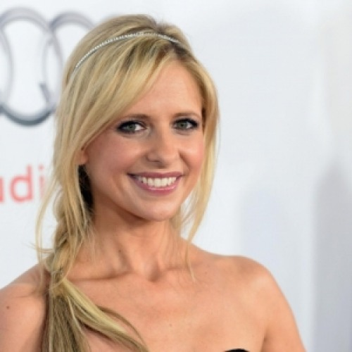 Image result for (sarah michelle gellar  Actors And Celebrities Who Live Like Normal People