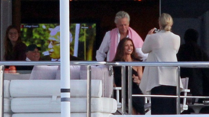 Michael Douglas and Catherine Zeta-Jones enjoyed vacation aboard a yacht in French Riviera.