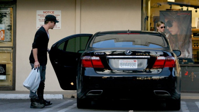 photo of Ryan Phillippe Lexus LS Hybird - car