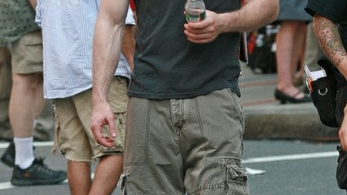Chris Evans has been spotted wearing the famous Converse Chuck Taylor All Star Lo Top Sneakers