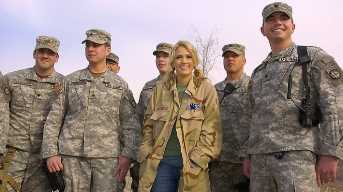 Carrie Underwood supports United Service Organization