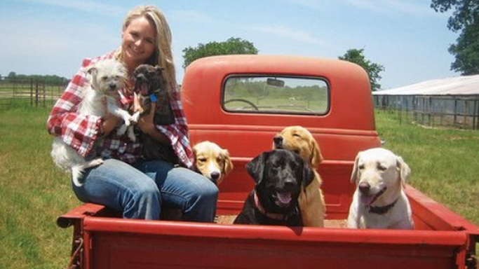 Miranda Lambert drives 1955 Chevrolet Series 3100 Pickup