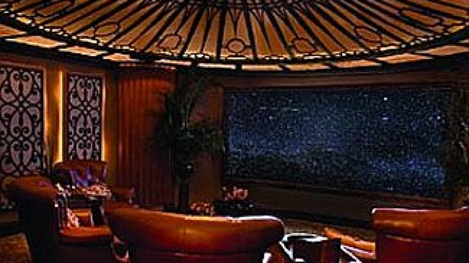 Home Theater modeled after the 'Titanic'