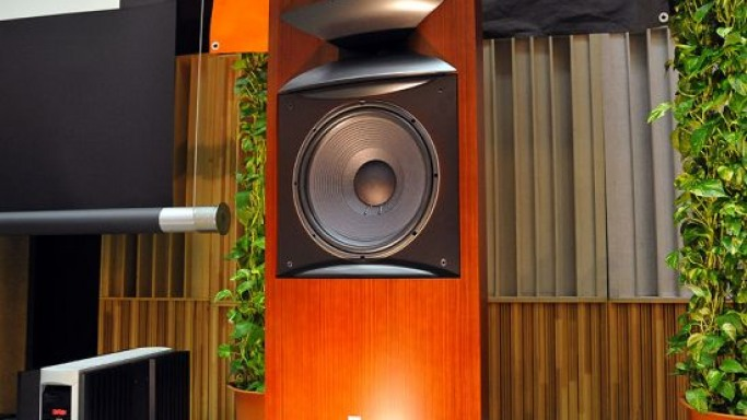 JBL lines up 'Project K2 S9900′ floorstanding speaker system
